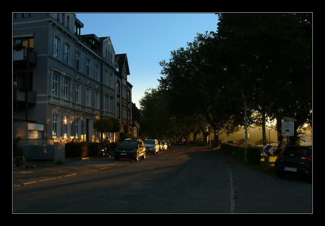 Holtenau: Kanalstraße im Oktober 2015.